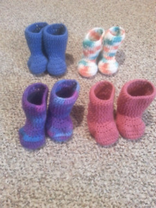 Baby booties size 9-12 months $5 a pair