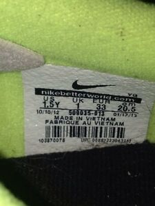 NIKE outdoor soccer shoes size 1 London Ontario image 3