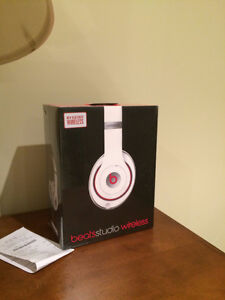 Beats By Dre Studio 2 Wireless White - Noise Cancelling Cambridge Kitchener Area image 1