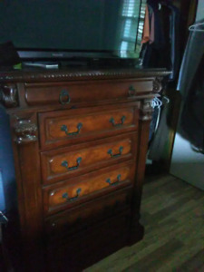 STYLISH DRESSER 5 drawer