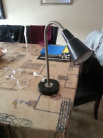DESK LAMP BLACK AND PEWTER  MINT CONDITION  NO SMOKING AND NO P