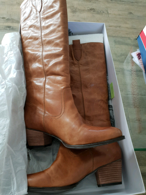 e41611294430 Tan Leather Knee High Boots Wittner size 42