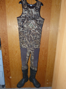 Rocky Men's Insulated Chest Waders - Size 9