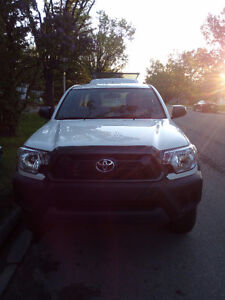 2014Tacoma 4X4 access cab finance takeover with only $13500 down