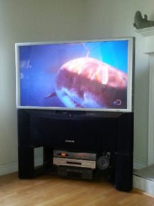 "46 "" HD TV Hitachi with stand"
