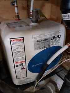 Chauffe eau 4 gallons sur 120 volts