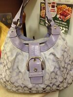Beautiful gently COACH AUTHENTIC PURSE for sale.