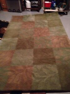 Wool area rug 5 x7 ft Like new