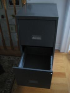 2-drawer Metal Filing Cabinet - Like new - color:  Gray