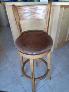 Swivel bar stools 30in high, oak and leather, set  of 4.
