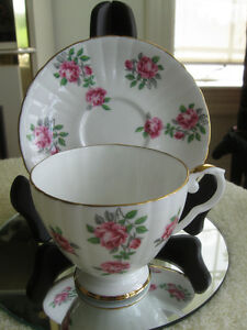 "BEAUTIFUL OLD VINTAGE ""ROYAL GRAFTON"".CHINA CUP & SAUCER"