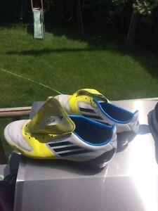 Souliers de soccer F50