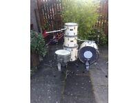 Pearl 'Forum' series drumkit
