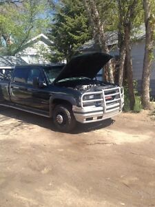RELIABLE AND HAULS LIKE A DREAM!! 3500 GMC !