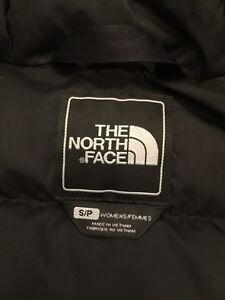 North face black women's down jacket size s excellent condition  Kitchener / Waterloo Kitchener Area image 5