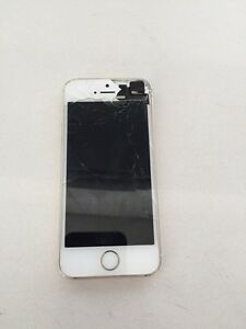 Gold iPhone 5s with Rogers *cracked screen*