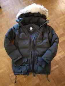 Canada Goose Women's Solaris Parka, Small, Black