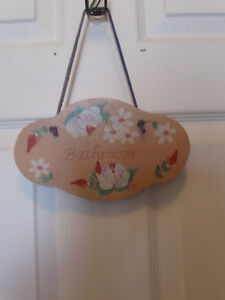 QUAINT LITTLE HAND-CRAFTED SOLID WOOD BATHROOM DOOR SIGN