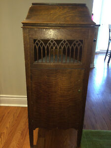 Antique phonograph - Brant-Ola