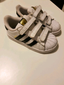 Kids adidas superstar running shoes trainers excellent