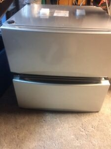 Reduced again...pedestals for washer & dryer