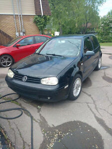 2002 Volkswagen Golf (2 portes)NEGOCIABLE