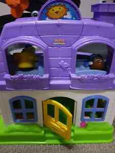 Little people home with real souds
