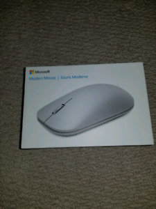 BRAND NEW IN BOX Microsoft Modern Mouse