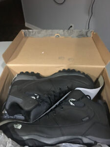 Bottes d'hiver homme ,, The north face ,, NEUF, taille 10,5