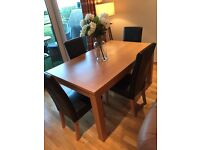 Oak veneer dining table with 4 chairs