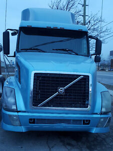 2005 Volvo with D12 Motor,13 Speed