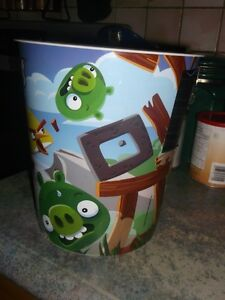 Angry Birds comforter with matching curtains and decals Gatineau Ottawa / Gatineau Area image 4