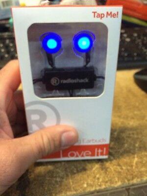 - RadioShack 6301319 LED Red Flashing Earbuds  (IL/PL1-3421-6301319-NOB)