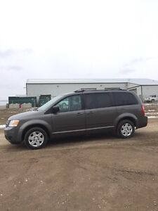 2010 Dodge Grand Caravan SE | LOADED | Excellent Condition