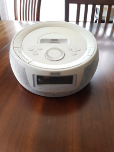 ipod Dock (+Radio & Alarm Clock)