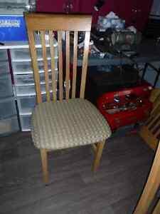 4 chaises de cuisine en frêne
