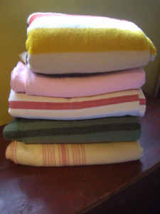 VINTAGE WOOL AND WOVEN BLANKET/ CATALOGNES
