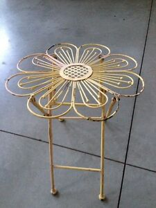 Antique Accent Table - very Unique! London Ontario image 1