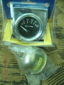 ELECTRIC OIL PRESSURE GAUGE FOR CAR OR TRUCK. NEW IN