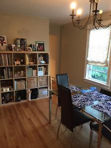 Beautiful 3 bedroom Heritage Upper Flat for rent - Sept. 1