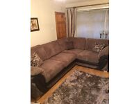 Left hand facing corner sofa in excellent condition