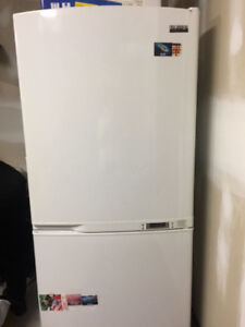 Very good condition fridge for sale! $299 !!