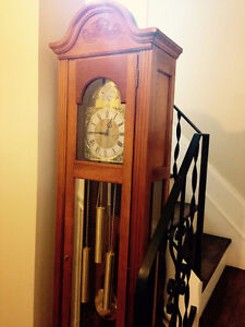 Stunning Ridgeway Grandfather Clock-Excellent Working Condition Cambridge Kitchener Area image 8