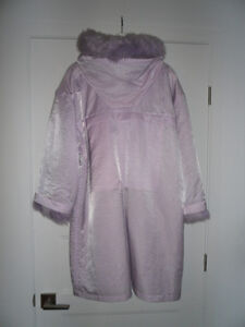 BEAUTIFUL LINDA LUNDSTROM LAPARKA WOOL COAT FOR SALE West Island Greater Montréal image 2