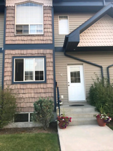 $1500 ALL IN 4 BEDROOM TOWNHOUSE FOR RENT