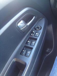 2013 Kia Rio LX Sedan 1 year warranty Regina Regina Area image 4