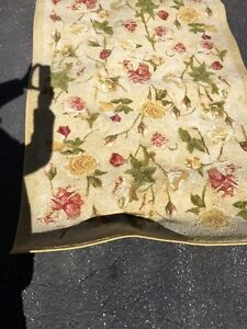 Area rug 8ft x 5ft