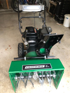 ONLY USED TWICE! Certified 224cc 2-Stage Gas Snowblower, 22-in