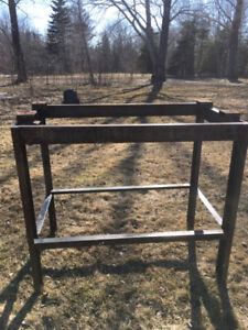 Oil tank stand