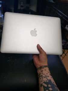 2015 Mac book Air 13""